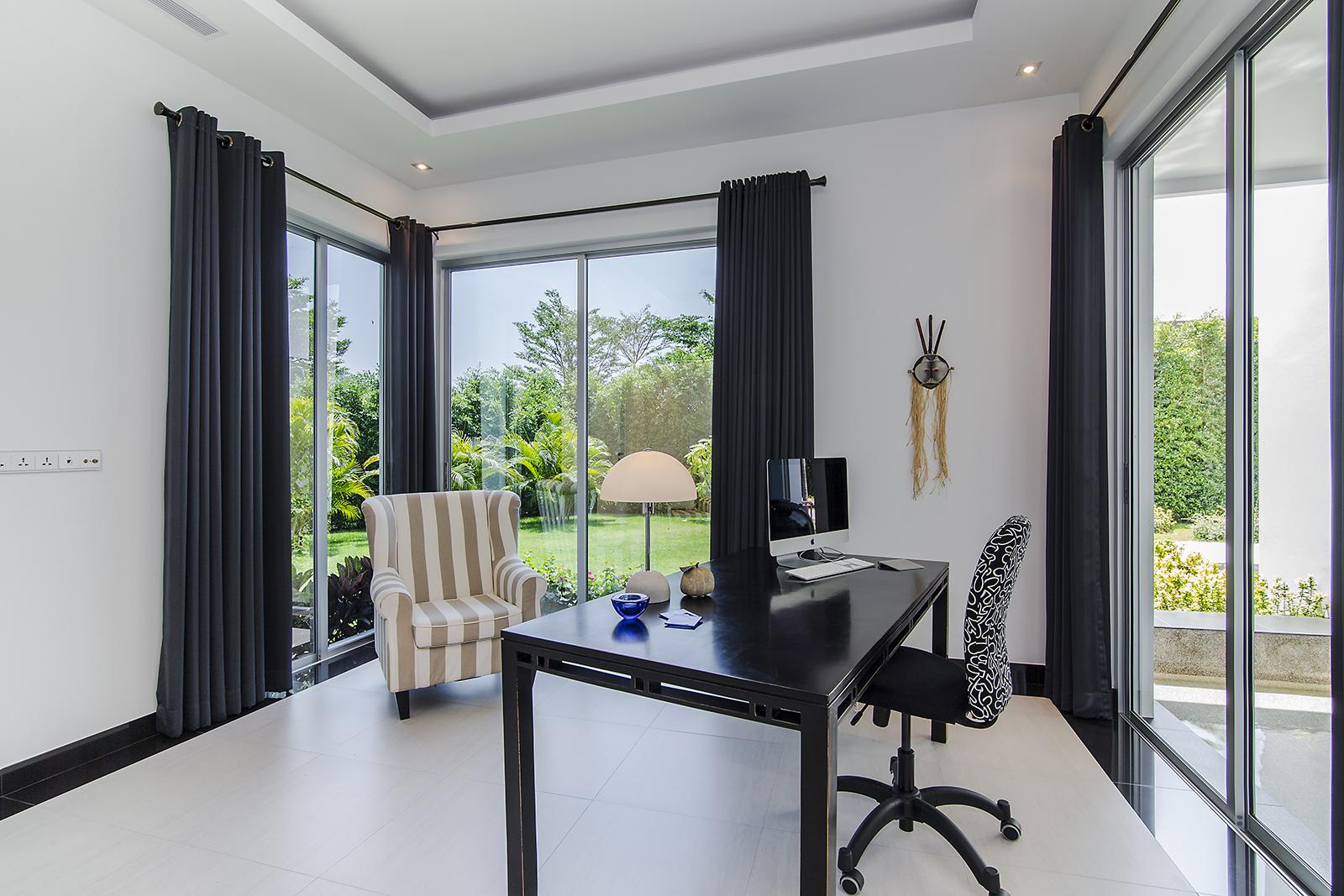 Bordeaux Rode Slaapkamer : Slaapkamer bordeaux. stunning appartement te huur van tot personen